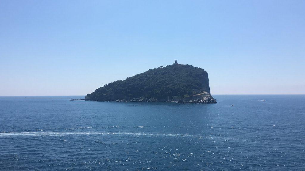 L'isola del Tino vista da Punta dell'Isola