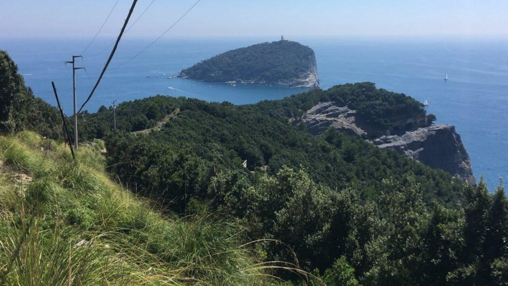 Panorama sull'Isola del Tino da quasi la cima dell'Isola Palmaria